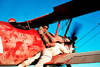 Capricorn One (1977)<br /> Elliott Gould<br /> *Filmstill - Editorial Use Only*<br /> CAP/KFS<br /> Image supplied by Capital Pictures