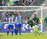 10.09.2017, OLympiastadion, Berlin, GER, 1.FBL, Hertha BSC VS. SV Werder Bremen, im Bild <br /> 1: 1 durch Delaney (Werder Bremen), Alexander Esswein (Hertha BSC Berlin #7), Sebastian Langkamp (Hertha BSC Berlin #15)<br /> <br /> <br />       <br /> Foto &copy; nordphoto / Engler