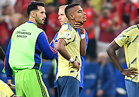 SAO PAULO – BRASIL, 28-06-2019: William Tesillo de Colombia luce decepcionado tras la eliminación después del partido por cuartos de final de la Copa América Brasil 2019 entre Colombia y Chile jugado en el Arena Corinthians de Sao Paulo, Brasil. / William Tesillo of Colombia looks disapponted after elimination in the Copa America Brazil 2019 quarter-finals match between Colombia and Chile played at Arena Corinthians in Sao Paulo, Brazil. Photos: VizzorImage / Julian Medina / Cont /