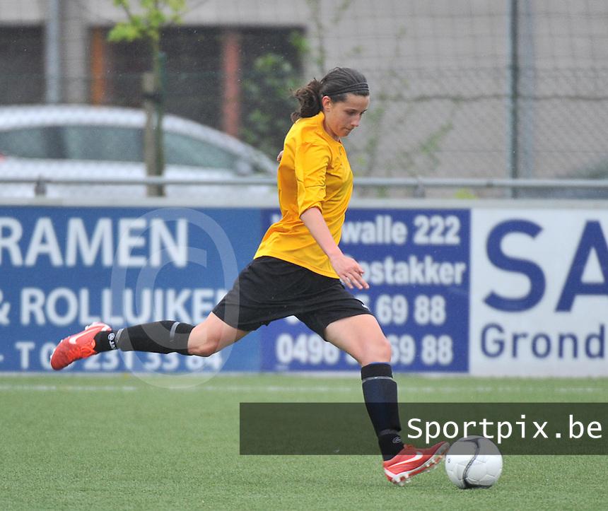 Lierse U16 - Standard de Liege U16 : Laura Baetens.foto DAVID CATRY / Nikonpro.be
