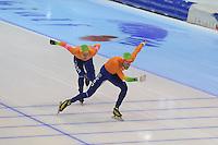 SCHAATSEN: HEERENVEEN: IJsstadion Thialf, 18-11-2012, Essent ISU World Cup, Season 2012-2013, Men Mass Start Division A, Arjan Stroetinga (NED), Christijn Groeneveld (NED), ©foto Martin de Jong