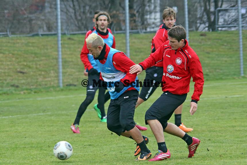 Stephan Schröck (Eintracht) gegen Pirmin Schwegler