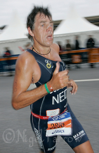 02 SEP 2007 - HAMBURG, GER - Peter Dullart (NED) - World Age Group Triathlon Championships. (PHOTO (C) NIGEL FARROW)
