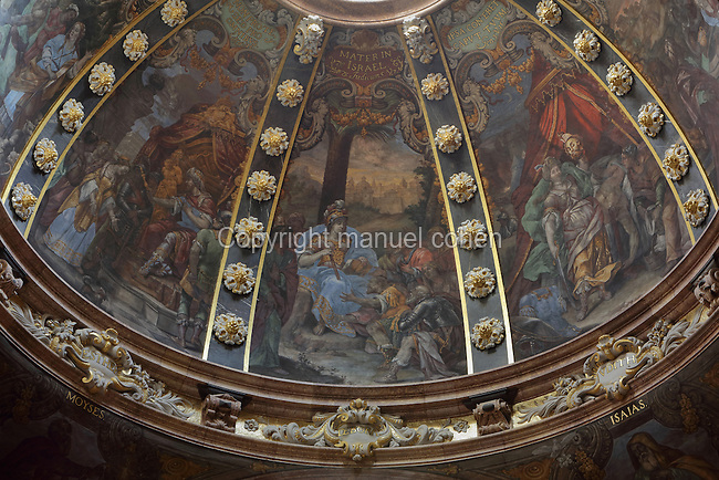 Ceiling frescoes on the cupola, with Deborah as Mater in Israel, in the Capella de la Santa Cinta, built 1672-1725 in Baroque style, in the Cathedral of St Mary, designed by Benito Dalguayre in Catalan Gothic style and begun 1347 on the site of a Romanesque cathedral, consecrated 1447 and completed in 1757, Tortosa, Catalonia, Spain. The cathedral has 3 naves with chapels between the buttresses and an ambulatory with radial chapels. Picture by Manuel Cohen