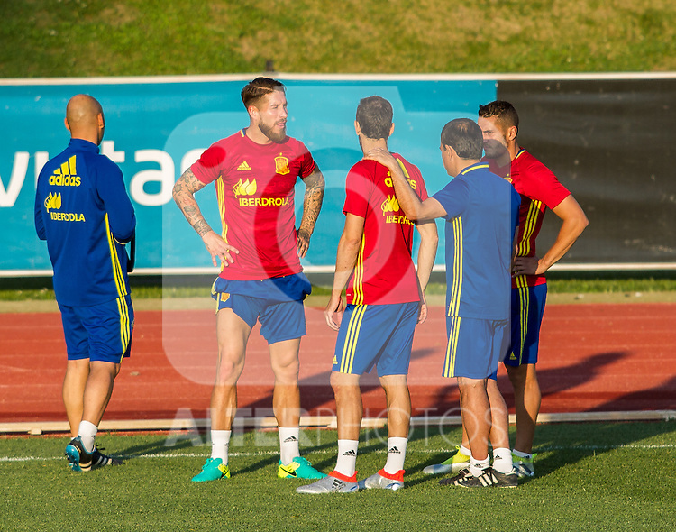 Spain's Juanfran torres, Coke Resurrecion and Sergio Ramos during the first training of the concentration of national soccer team before the Uefa Euro 2016.  Jun 4,2016. (ALTERPHOTOS/Rodrigo Jimenez)