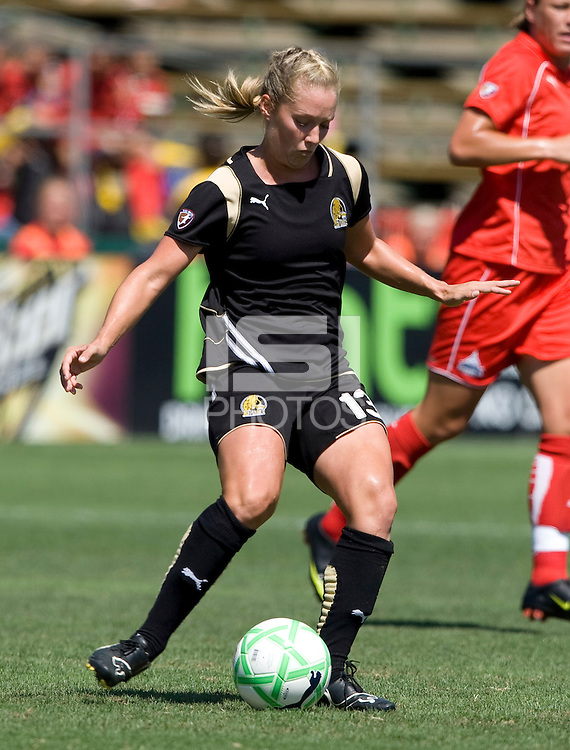 01 August 2009:  Kristen Graczyk of the FC Gold Pride in action during the game against Freedom at Buck Shaw Stadium in Santa Clara, California.   FC Gold Pride defeated Washington Freedom, 3-2.