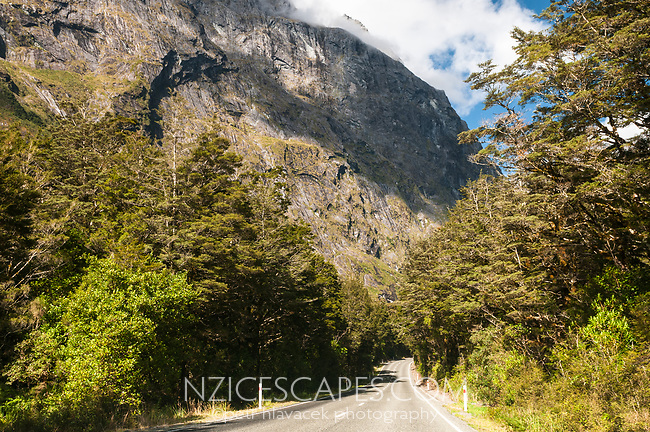 Scenic Milford Road through Darran Mountains near Hommer Tunnel, Fiordland National Park, UNESCO World Heritage Area, Southland, New Zealand, NZ