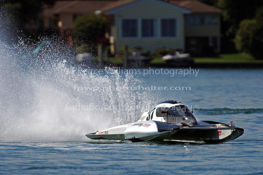 "Karl St. Vincent, CS-37 ""Bull Shark Racing""  (2.5 Litre Stock hydroplane(s)"
