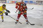 Duesseldorfs Carl Ridderwall (Nr.22) beim Spiel in der DEL, Duesseldorfer EG (rot) - Krefeld Pinguine (gelb).<br /> <br /> Foto © PIX-Sportfotos *** Foto ist honorarpflichtig! *** Auf Anfrage in hoeherer Qualitaet/Aufloesung. Belegexemplar erbeten. Veroeffentlichung ausschliesslich fuer journalistisch-publizistische Zwecke. For editorial use only.