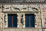 Kazimierz Dolny, 2007-05-02. Detale architektoniczne na kamienicy Przybyłów w Kazimierzu Dolnym