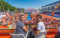 Den Bosch, Netherlands, 13 June, 2017, Tennis, Ricoh Open, Kidsday, autugraph session with Tacau (L) and Rojer<br /> Photo: Henk Koster/tennisimages.com