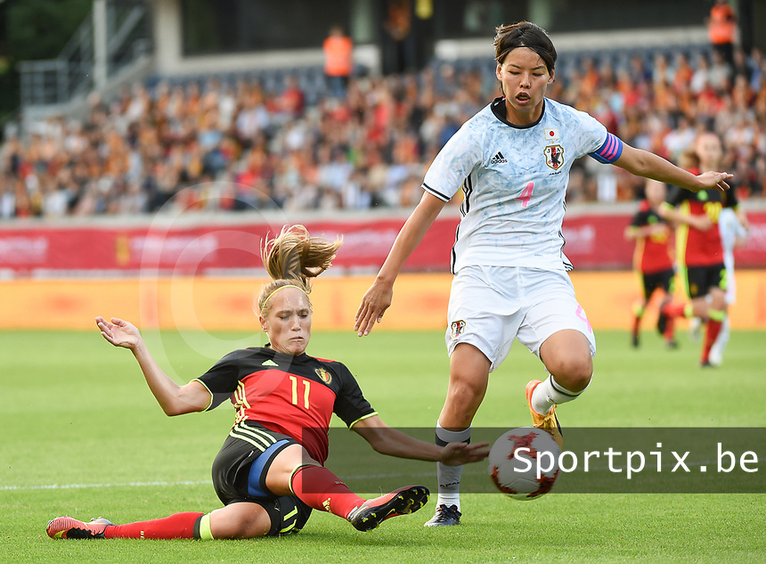 20170613 - LEUVEN ,  BELGIUM : Belgian Janice Cayman (L) and Japanese Saki Kumagai (R) pictured during the female soccer game between the Belgian Red Flames and Japan , a friendly game before the European Championship in The Netherlands 2017  , Tuesday 13 th Juin 2017 at Stadion Den Dreef  in Leuven , Belgium. PHOTO SPORTPIX.BE | DIRK VUYLSTEKE