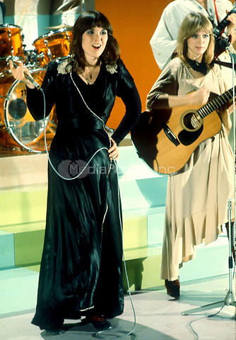 HEART plays on TOP POP a Dutch music television show in Hilversum, Holland. The Wilson sisters, Ann &amp; Nancy 1977<br />