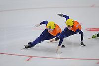SHORTTRACK: HEERENVEEN: Thialf, Invitation Cup, 01-021011, Jorien ter Mors (29), Yara van Kerkhof (28), ©foto: Martin de Jong