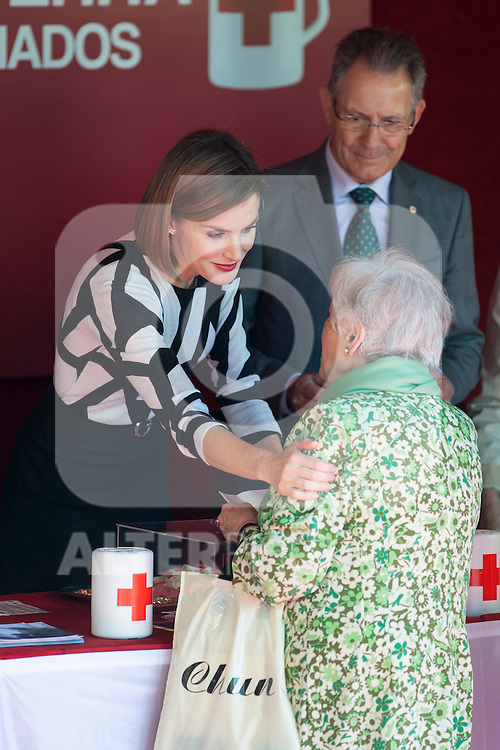 Queen Letizia of Spain during the Red Cross Fundraising day event (Dia de la Banderita) in Madrid, Spain. October 02, 2015. (ALTERPHOTOS/Victor Blanco)