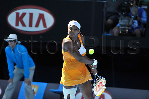 27 January 2010, 2010 Australian Open Tennis, day 10, Melbourne, Australia. Serena Williams (USA) Vs Victoria Azarenka (BLR). Williams wins the Quaterfinal beating Azarenka. Photo by Peter Blakeman/Actionplus.