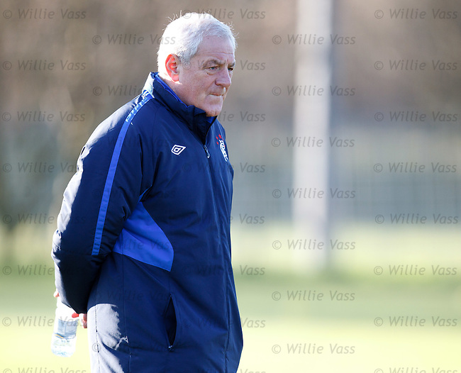 Walter Smith ready to face his old friend Sir Alex Ferguson once again