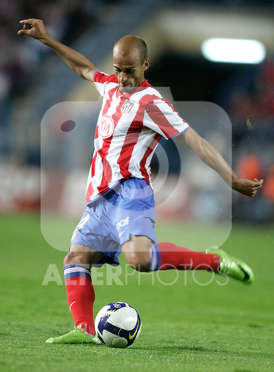 Atletico de Madrid's Mariano Pernia during La Liga match. May 10, 2009. (ALTERPHOTOS/Alvaro Hernandez)