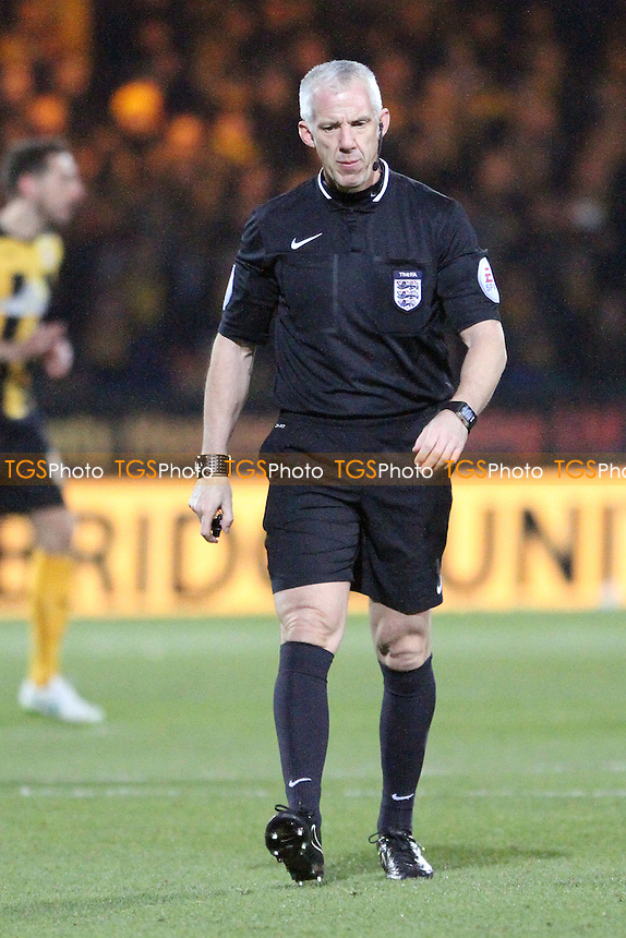 Ref Chris Foy - Cambridge United vs Manchester United - FA Challenge Cup 4th Round Football at the R Costings Abbey Stadium, Cambridge - 23/01/15 - MANDATORY CREDIT: Mick Kearns/TGSPHOTO - Self billing applies where appropriate - contact@tgsphoto.co.uk - NO UNPAID USE