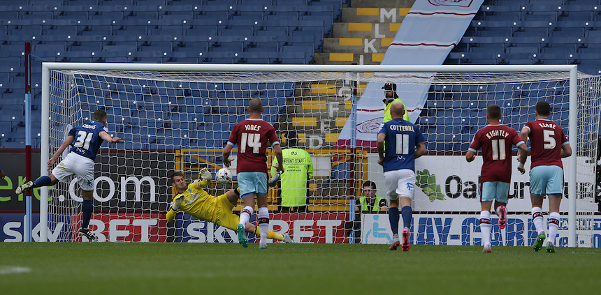 Birmingham City's Paul Caddis (#31) scores his sides second goal past Burnley's goalkeeper Thomas Heaton from the penalty spot<br /> <br /> Photographer Stephen White/CameraSport<br /> <br /> Football - The Football League Sky Bet Championship - Burnley v Birmingham City - Saturday 15th August 2015 - Turf Moor - Burnley<br /> <br /> &copy; CameraSport - 43 Linden Ave. Countesthorpe. Leicester. England. LE8 5PG - Tel: +44 (0) 116 277 4147 - admin@camerasport.com - www.camerasport.com