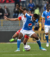 BOGOTA - COLOMBIA - 16 - 07 - 2017: Harold Mosquera (Der.) jugador de Millonarios disputa el balón con Anderson Plata (Izq.) jugador de El Independiente Santa Fe, durante partido de la fecha 2 entre Millonarios y el Independiente Santa Fe, por la Liga Aguila II-2017, jugado en el estadio Nemesio Camacho El Campin de la ciudad de Bogota. / Harold Mosquera (R) player of Millonarios vies for the ball with Anderson Plata (L) player of Independiente Santa Fe, during a match of the date 2nd between Millonarios and Independiente Santa Fe, for the Liga Aguila II-2017 played at the Nemesio Camacho El Campin Stadium in Bogota city, Photo: VizzorImage / Luis Ramirez / Staff.