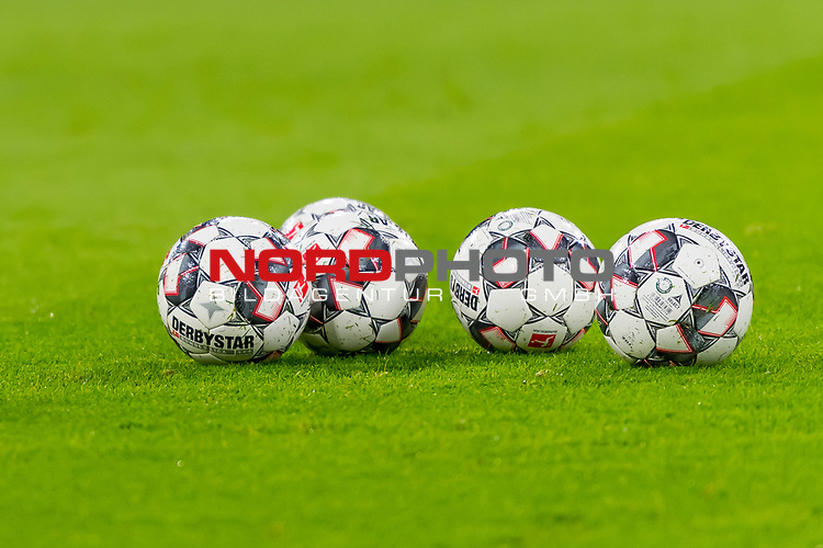 09.02.2019, Allianz Arena, Muenchen, GER, 1.FBL,  FC Bayern Muenchen vs. FC Schalke 04, DFL regulations prohibit any use of photographs as image sequences and/or quasi-video, im Bild feature Ball Baelle Derbystar<br /> <br />  Foto &copy; nordphoto / Straubmeier