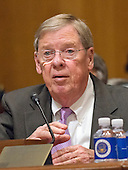 United States Senator Johnny Isakson (Republican of Georgia) makes a statement supporting his friend, US Representative Tom Price (Republican of Georgia) prior to testimony during the United States Senate Committee on Finance hearing considering Price's nomination to be Secretary of Health and Human Services on Capitol Hill in Washington, DC on Tuesday, January 24, 2017.<br /> Credit: Ron Sachs / CNP