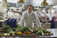 """Europe/France/Rhône-Alpes/38/Isère/ Vienne: Patrick Henriroux chef du Restaurant """"La Pyramide"""" , 14, bd Fernand Point et les légumes de la vallée du Rhone"""