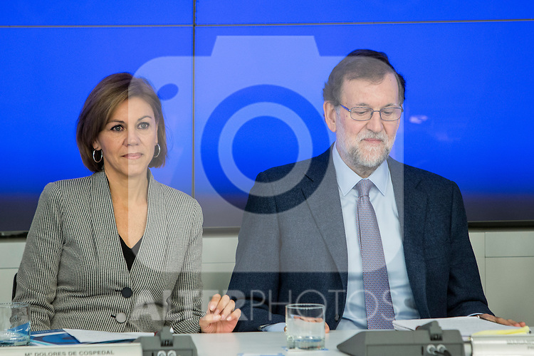 Spain's Maria Dolores de Cospedal (L) and  Prime Minister, Mariano Rajoy (R) presides the Popular Party's national executive committee in Madrid, Spain. January  14, 2017. (ALTERPHOTOS/Rodrigo Jimenez)