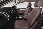 Front seat view of a 2015 Audi Q7 - 5 Door Suv 2WD Front Seat car photos