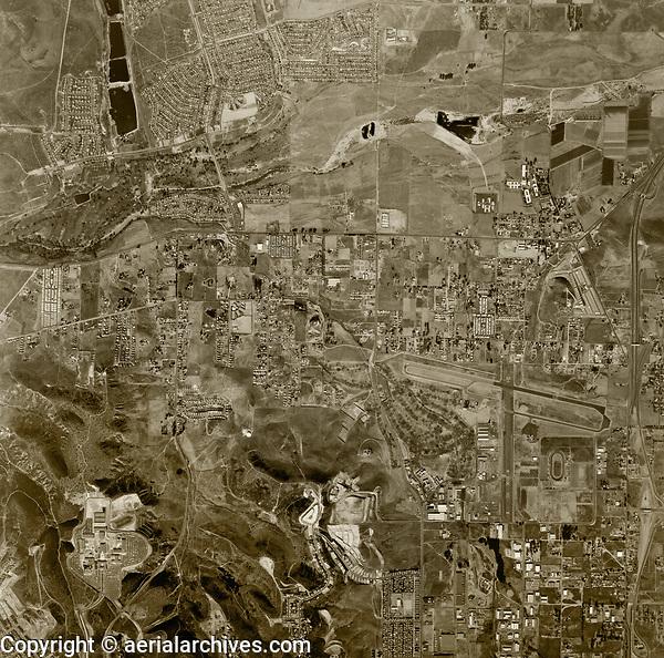 historical aerial photograph Santee, San Diego county, California, 1966