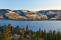View of the Columbia River Gorge along the Washington-Oregon border