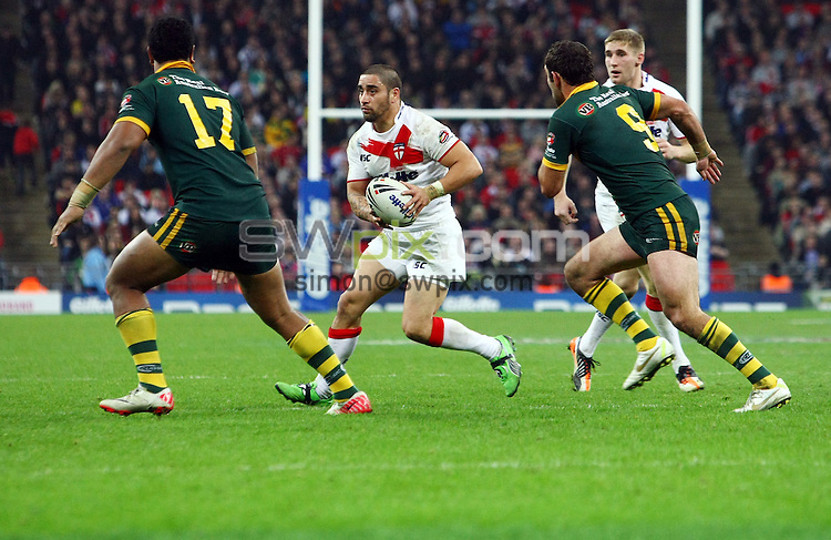 PICTURE BY VAUGHN RIDLEY/SWPIX.COM - Rugby League - Gillette 4 Nations 2011 - England v Australia - Wembley Stadium, London, England - 5/11/11 - England's Rangi Chase.