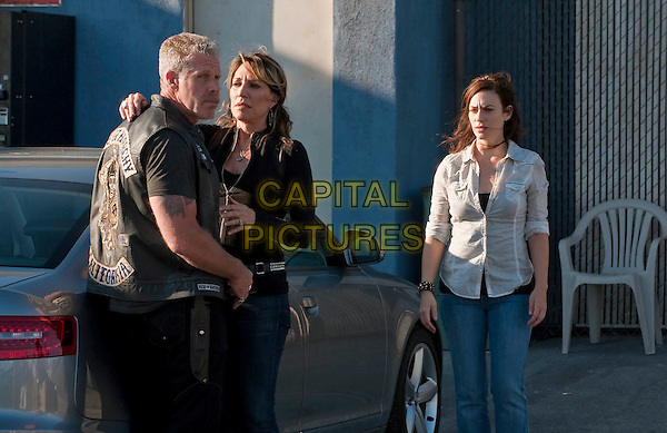 "Ron Perlman, Katey Sagal and Maggie Siff .in Sons of Anarchy (season 3, episode 13 ""NS"").*Filmstill - Editorial Use Only*.CAP/NFS.Supplied by Capital Pictures."