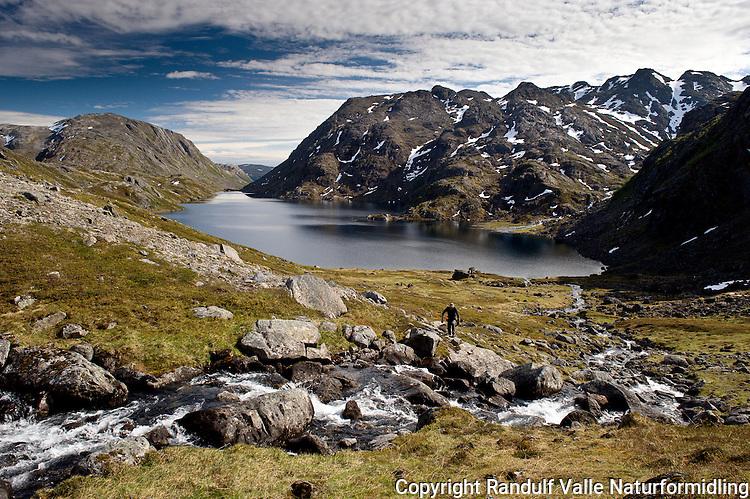 Landskap fra Seiland nasjonalpark. ----- Landscape from Seiland national park
