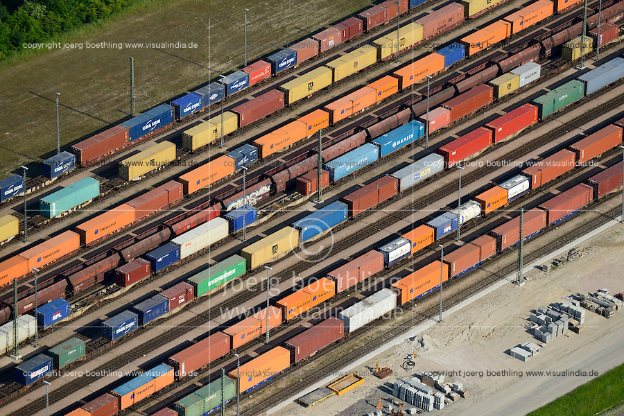 GERMANY Hamburg port, railway transport of container / Deutschland Hamburg Hafen, Eisenbahn Transport von Containern