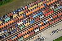 GERMANY Hamburg port, railway transport of container / Deutschland Hamburg Hafen, Eisenbahn Transport von Containern