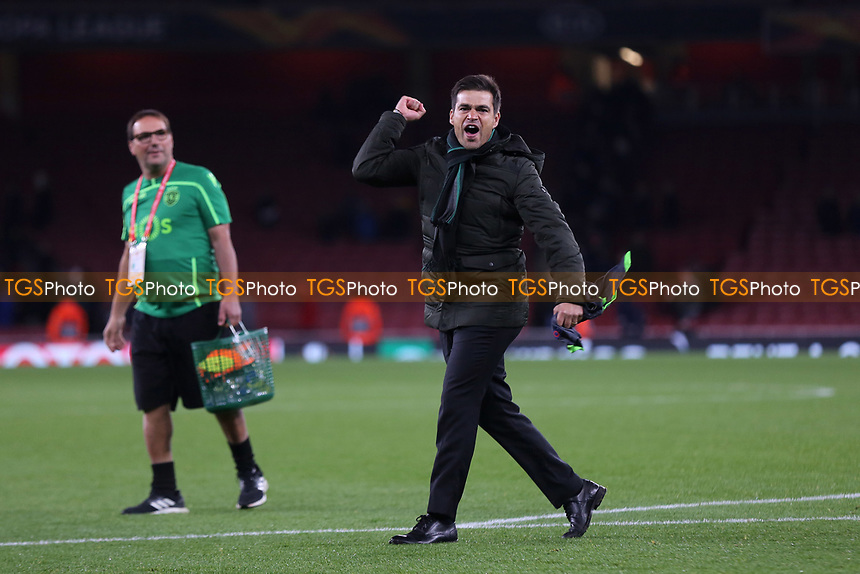 Sporting Lisbon Head Coach, Tiago Fernandes celebrates at the final whistle during Arsenal vs Sporting Lisbon, UEFA Europa League Football at the Emirates Stadium on 8th November 2018