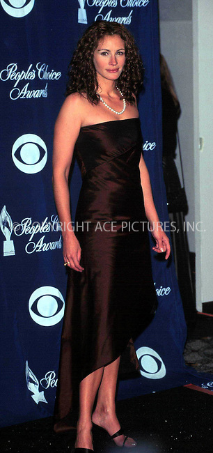 *** USA RIGHTS ONLY***    ***FILE PHOTO***   ..Julia Roberts 01/09/2000: LOS ANGELES..26TH ANNUAL PEOPLE'S CHOICE AWARDS. REF: PPSA2059. Please byline: NY Photo Press.   ..*PAY-PER-USE*      ....NY Photo Press:  ..phone (646) 267-6913;   ..e-mail: info@nyphotopress.com