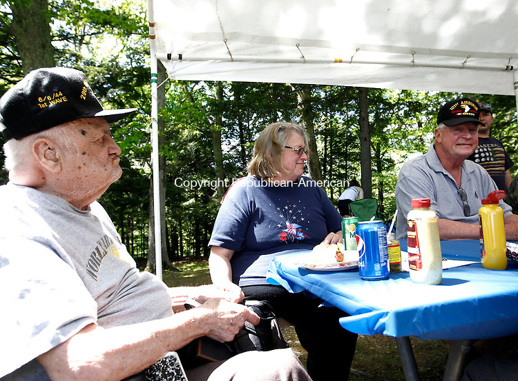 Southbury, CT- 26 May 2014-052614CM14- John Mierzejewski, left, an Army World War II veteran from Oxford, his daughter Karen Owsiany, of Oxford and Ken Korsu, an Army Vietnam veteran from Southbury, enjoy lunch during Southbury's  annual town picnic at Ballantine Park in Southbury.    Christopher Massa Republican-American