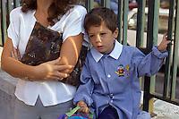 Scuola materna. Nursery school. Kindergarten..Primo giorno di scuola. First day of school....