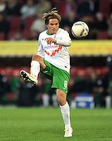 FUSSBALL   1. BUNDESLIGA  SAISON 2011/2012   10. Spieltag FC Augsburg - SV Werder Bremen           21.10.2011 Clemens Fritz (SV Werder Bremen)