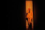 L ETOILE D ALGER..Auteur : CHOUAKI Aziz..Choregraphie : OUNCHIOUENE Farid..Mise en scene : OUNCHIOUENE Farid..Compositeur : HOUZIAUX Romuald..Compagnie : Farid O..Lumiere : TEISSIER Florent..Costumes : VIAULT Marie Celine..Avec :..OUNCHIOUENE Farid..GESLIN Pauline..Video : BESNARD Gaetan..Dramaturgie : CHOUAKI Aziz..Lieu : Theatre National de Chaillot Studio..Cadre : Temps fort HIP HOP..Ville : Paris..Le : 24 03 2010..© Laurent PAILLIER / photosdedanse.com..All rights reserved