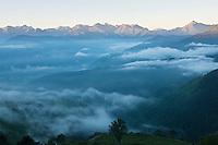 Europe/France/Midi-Pyrénées/65/Hautes-Pyrénées/Col d'Aspin: A  l'aube, lever de brume sur la vallée d'Aure