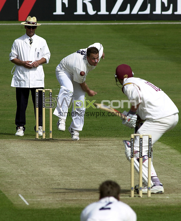 Pix: Simon Wilkinson/SWpix.com. Cricket. Frizzell County Championship. Season 2003. Yorkshire v Northamptonshire. Headingley. 18/04/03...COPYRIGHT PICTURE>>SIMON WILKINSON>>01943 436649>>..Gough's back....Darren Gough bowling
