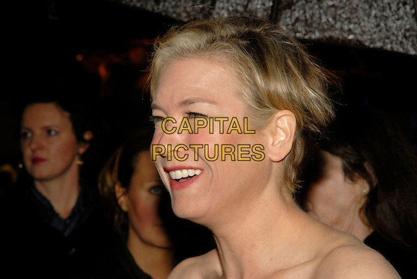 """RENEE ZELLWEGER.Attending UK Film Premiere of """"Bee Movie"""" held at the Empire, Leicester Square, London, England,.December 6th, 2007..portrait headshot umbrella raining profile funny .CAP/IA.©Ian Allis/Capital Pictures"""