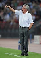 FUSSBALL   CHAMPIONS LEAGUE   SAISON 2011/2012  Qualifikation  23.08.2011 FC Zuerich - FC Bayern Muenchen Trainer Jupp Heynckes  (FC Bayern Muenchen) zeigt
