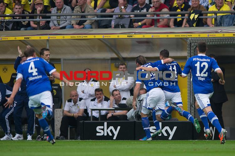 20.10.2012, Signal Iduna Park, Dortmund, Deutschland, 1. FBL, Borussia Dortmund vs. FC Schalke 04 im Bild Jubel Benedikt H&ouml;wedes / Hoewedes (#4 Schalke), Christian Fuchs (#23 Schalke), Ibrahim Afellay (#11 Schalke), Marco H&ouml;ger / Hoeger (#12 Schalke) nach dem Tor zum 1-0 Schalke durch Ibrahim Afellay (#11 Schalke)<br /> <br /> Foto &copy; nph / Kurth *** Local Caption ***