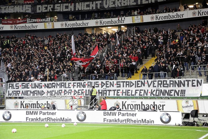 Frankfurter Fans protestieren gegen das Stadionpapier