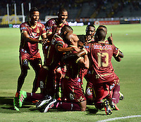 IBAGUE -COLOMBIA, 10-07-2016. Angelo Rodríguez jugador del Tolima   celebra su gol contra  el Deportivo  Cali  durante encuentro  por la fecha 2 de la Liga Aguila II 2016 disputado en el estadio Murillo Toro./ Angelo Rodríguez   player of Tolima celebrates his goal agaisnt of Deportivo Cali  during match for the date 2 of the Aguila League II 2016 played at Murilo Toro stadium . Photo:VizzorImage / Juan Carlos Escobar  / Contribuidor